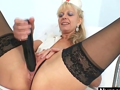 Old blonde milf stuffing pussy approximately huge dildo